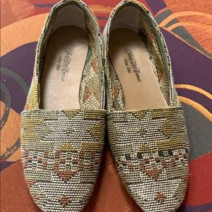 Fabric Woven Closed Shoe Leather Bottom.